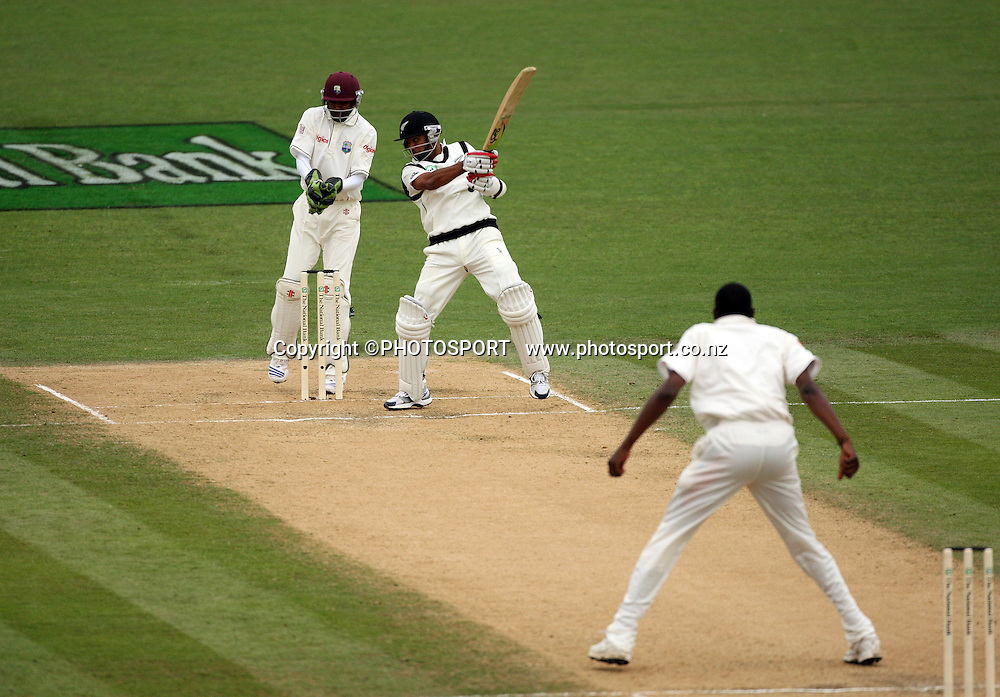 Jeetan Patel batting during play on day 3 of the second cricket test at McLean Park in Napier. National Bank Test Series, New Zealand v West Indies, Sunday 21 December 2008. Photo: Andrew Cornaga/PHOTOSPORT