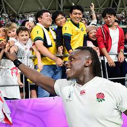 Maro ITOJE of England salutes the fans following the Rugby World Cup 2019 Quarter Final match between England and Australia on October 19, 2019 in Oita, Japan. (Photo by Dave Winter/Icon Sport) - Maro ITOJE - Oita Stadium - Oita (Japon)