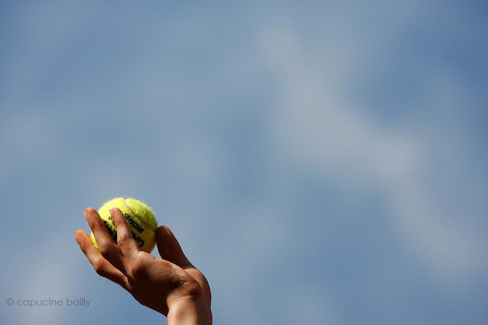 Roland Garros. Paris, France. June 7th 2006..A ball boy's hand.