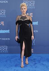 Katheryn Winnick  bei der Verleihung der 22. Critics' Choice Awards in Los Angeles / 111216