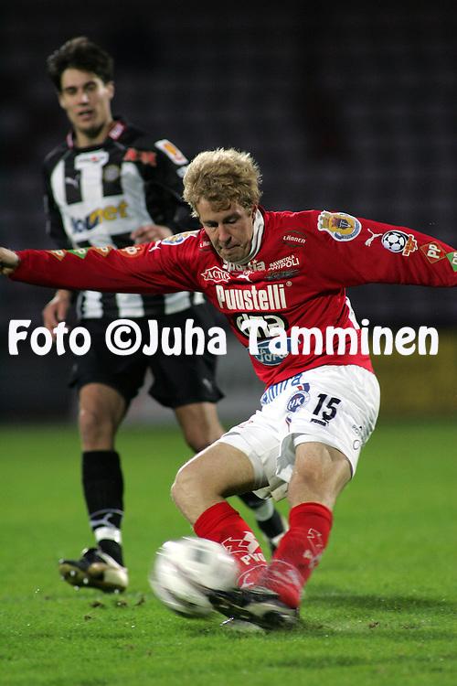 18.09.2004, Pori, Finland..Veikkausliiga 2004 / Finnish League 2004.FC Jazz v TPS Turku.Teemu Vihtil? - FC Jazz.©Juha Tamminen.....ARK:k