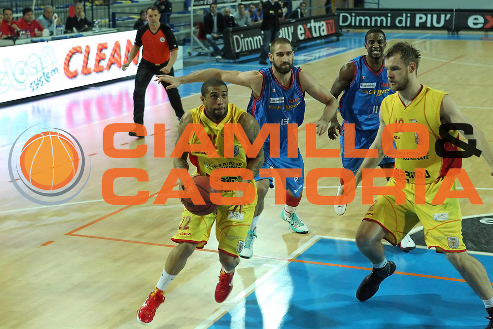DESCRIZIONE : Frosinone Lega Due 2010-11 Prima Veroli Fastweb Casale Monferrato<br /> GIOCATORE : Jarrius Jackson<br /> SQUADRA : Prima Veroli  <br /> EVENTO : Campionato Lega Due 2010-2011<br /> GARA : Prima Veroli Fastweb Casale monferrato<br /> DATA : 06/03/2011<br /> CATEGORIA : palleggio penetrazione  <br /> SPORT : Pallacanestro<br /> AUTORE : Agenzia Ciamillo-Castoria/A.Ciucci<br /> Galleria : Lega Due 2010-2011<br /> Fotonotizia : Frosinone Lega Due 2010-11 Prima Veroli fastweb Casale Monferrato<br /> Predefinita :