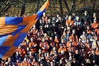 Fotball, 26.september 2003, Tippeligaen, Stabæk-Aalesund 3-1, illustrasjon, Aalesund, tilskuere, supporter, supportere, flagg, tilskuer, fan