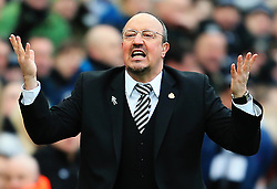 Newcastle United manager Rafa Benitez reacts - Mandatory by-line: Matt McNulty/JMP - 11/02/2018 - FOOTBALL - St James Park - Newcastle upon Tyne, England - Newcastle United v Manchester United - Premier League
