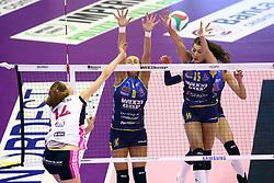 15-10-2016 ITA: Imoco Volley Conegliano - Savino Del Bene Scandiddi, Treviso<br /> Conegliano verliest in eigen huis met 3-2 / Robin de Kruijf<br /> <br /> ***NETHERLANDS ONLY***