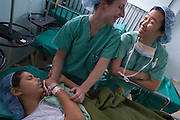 MSMI trip to Honduras - June 2006. Medical Students Making Impacts - students and doctors from Mt. Sinai School of Medicine work at the Leonardo Martinez hospital in San Pedro Sula, Honduras. <br /> <br /> Isha Mehta, Brenden Hursh, Allison Langs, Risa Small, Salvadore, Shana Lippel, In-Kyong ( Inky ) Kim, Daniel Zandman, Carina Biggs, Jeremy Spencer, Karen Gluck, Kathryn ( Katie ) Artis, Sarah Seo, Shola Cole, Thomas Joseph, Tyralee Goo, Kristin Swedish, Jeffrey Freed, Larry Rand, Bernard Baez, Peter Dottino, Jeff Silverstein, Thomas Sterry, Hubert (Todd) Broussard, Aida Manzanares, Fanny, Benjamin Rivera, et al<br /> <br /> Photo must be credited to &quot;Jacques-Jean Tiziou / www.jjtiziou.net&quot; adjacent to the image. Online credits should link to www.jjtiziou.net. Photo may only be used as permitted by the photographer.