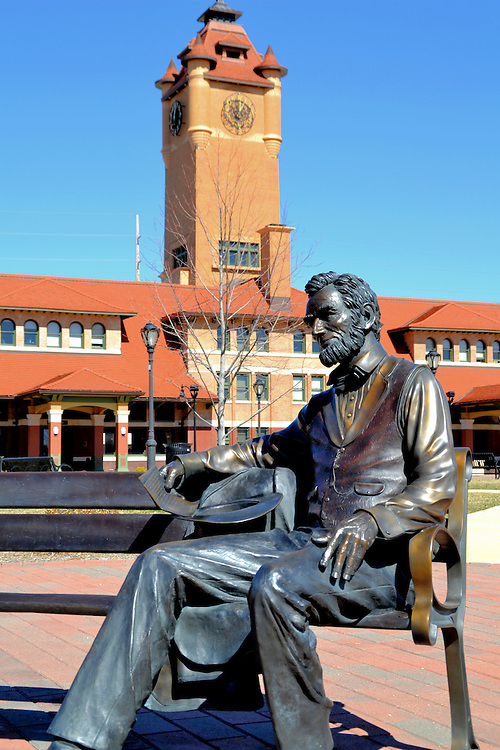Abe Lincoln Sitting on Bench in Front of Springfield Union Station in Springfield, Illinois<br />