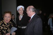 Lady Emma Kitchener-Fellowes and  Julian Fellowes. Jacob van Ruisdael: Masters of Landscape. 21 February 2006. ONE TIME USE ONLY - DO NOT ARCHIVE  © Copyright Photograph by Dafydd Jones 66 Stockwell Park Rd. London SW9 0DA Tel 020 7733 0108 www.dafjones.com