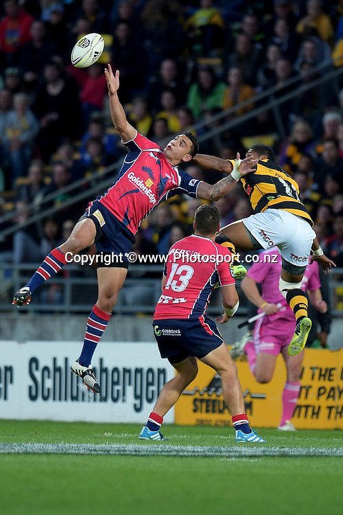 Tasman Makos Bryce Heem (Top L) jumps for the ball with Taranaki's Waisake Naholo (Top R) during the ITM Cup Premiership Final between Taranaki & Tasman at Yarrow Stadium in New Plymouth, New Zealand, 25th October 2014. Photo: Marty Melville/Photosport.co.nz
