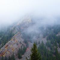 Foggy morning on Peanuts Wall (Eldorado Canyon State Park) @landscape_captures @thegreatoutdoors @outdoorphotomag #landscape #landscapephotography #mountainscape #tradclimbing #colorado #rockclimbing @visitcolorado @bouldercolorado