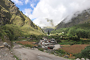 Asia, Nepal, village in mountain landscape,