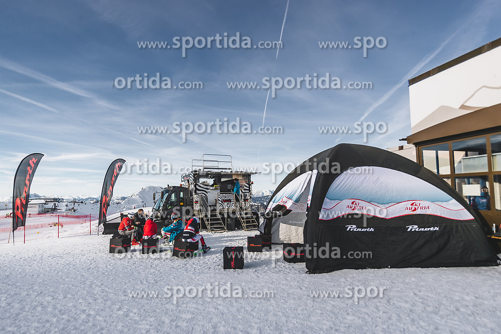 09.01.2020, Keelberloch Rennstrecke, Altenmark, AUT, FIS Weltcup Ski Alpin, Abfahrt, Damen, 1. Training, im Bild Prinoth // Prinoth during her 1st training run for the women's Downhill of FIS ski alpine world cup at the Keelberloch Rennstrecke in Altenmark, Austria on 2020/01/09. EXPA Pictures © 2020, PhotoCredit: EXPA/ Johann Groder
