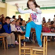 Inauguracia ziakov prveho rocnika na Spojenej zakladnej skole v Poprade, pasovacka prvakov.