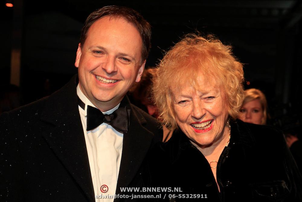NLD/Katwijk/20101030 - Inloop premiere musical Soldaat van Oranje, Mirjam Berk