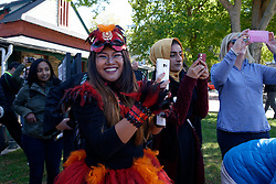 Many came to the event donning vibrant costumes. (Bastiaan Slabbers/for PhillyVoice)