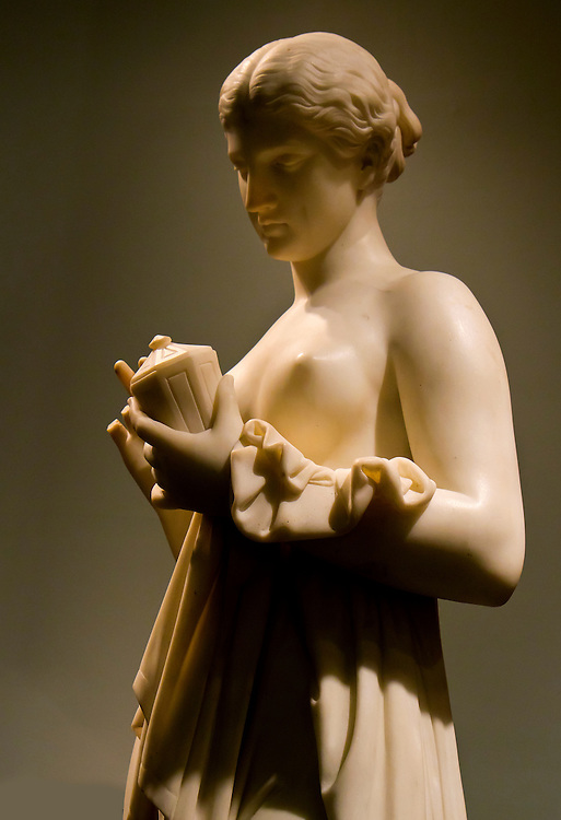 Beautiful nude statue. Brooklyn Museum.