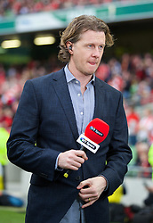 DUBLIN, REPUBLIC OF IRELAND - Wednesday, May 14, 2014: Former Liverpool players Steve McManaman working for BT Sport during a postseason friendly match at Lansdowne Road. (Pic by David Rawcliffe/Propaganda)