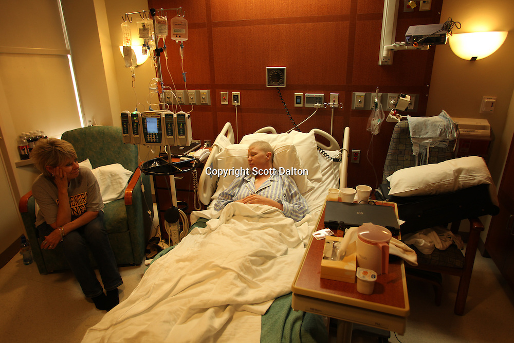 Mindy Lanoux, a 35-year-old cancer patient with melanoma, sits in her hospital room with her mother at the MD Anderson Cancer Center in Houston, TX on September 29, 2009. (Photo/Scott Dalton)