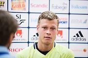 SOLNA 2016-09-03<br /> Viktor Claesson under landslagets tr&auml;ning p&aring; Friends Arena, l&ouml;rdag 3 september 2016.<br /> Foto: Nils Petter Nilsson/Ombrello<br /> ***BETALBILD***
