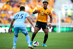 Adama Traore of Wolverhampton Wanderers takes on Aaron Lennon of Burnley - Mandatory by-line: Robbie Stephenson/JMP - 25/08/2019 - FOOTBALL - Molineux - Wolverhampton, England - Wolverhampton Wanderers v Burnley - Premier League