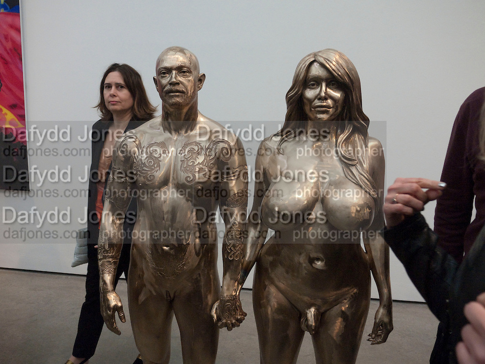 ALEXANDRA SHULMAN, Marc Quinn exhibition opening. Allanah, Buck, Catman, Michael, Pamela and Thomas. White Cube Hoxton Sq. London. 6 May 2010.  *** Local Caption *** -DO NOT ARCHIVE-© Copyright Photograph by Dafydd Jones. 248 Clapham Rd. London SW9 0PZ. Tel 0207 820 0771. www.dafjones.com.<br /> ALEXANDRA SHULMAN, Marc Quinn exhibition opening. Allanah, Buck, Catman, Michael, Pamela and Thomas. White Cube Hoxton Sq. London. 6 May 2010.