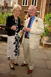 JOAN MORECAMBE and ANTHONY ROBINSON at the Lady Taverners Westminster Abbey Garden Party, The College Garden, Westminster Abbey, London SW1 on 10th July 2007.<br /><br />NON EXCLUSIVE - WORLD RIGHTS