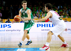 Goran Dragic of Slovenia vs Jose Calderon of Spain during basketball game between National basketball teams of Spain and Slovenia at Quarterfinals of FIBA Europe Eurobasket Lithuania 2011, on September 14, 2011, in Arena Zalgirio, Kaunas, Lithuania.  (Photo by Vid Ponikvar / Sportida)