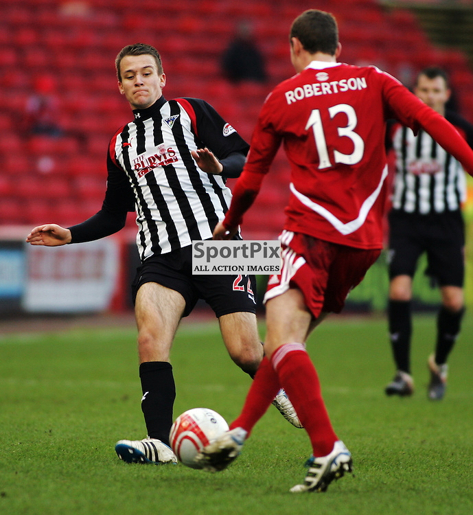 The Clydesdale Bank Scottish Premier League, Season 2011/12.Aberdeen FC v Dunfermline Athletic FC..28-01-12...Paul Willis in action  in this afternoons  Clydesdale Bank Scottish Premier League game between Aberdeen FC and Dunfermline Athletic FC..At Pitodrie, Aberdeen...Picture, Craig Brown..Saturday 28th January 2012.