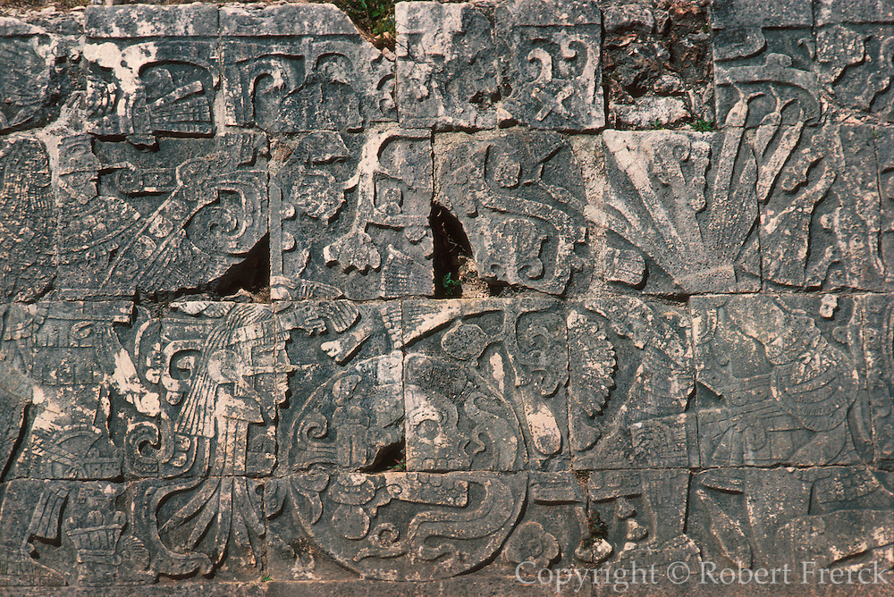 MEXICO, MAYAN, YUCATAN Chichén Itzá; Ballcourt with relief