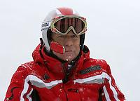 Ski Alpin; Saison 2006/2007  OESV-Praesident Peter Schroecksnadel mit Telefon FOTO : Pressefoto ULMER / Markus Ulmer