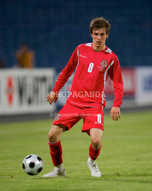 BAKU, AZERBAIJAN - Saturday, June 6, 2009: Wales' Aaron Ramsey in action against Azerbaijan during the 2010 FIFA World Cup Qualifying Group 4 match at the Tofig Bahramov Stadium. (Pic by David Rawcliffe/Propaganda)
