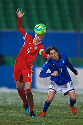 CESENA, ITALY - Tuesday, January 22, 2019: Wales' captain Sophie Ingle (L) and Italy's Daniela Sabatino during the International Friendly between Italy and Wales at the Stadio Dino Manuzzi. (Pic by David Rawcliffe/Propaganda)