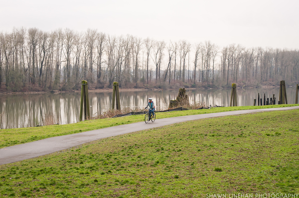 The Willamette trail that runs between the river and the buildings.