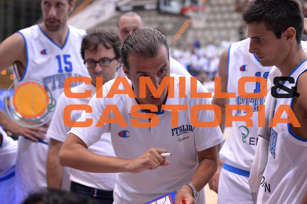 DESCRIZIONE : Trento Basket Cup 2013 Italia Israele<br /> GIOCATORE : Simone Pianigiani<br /> CATEGORIA : Team Italia time out<br /> SQUADRA : Nazionale Italia Uomini Maschile<br /> EVENTO : Trento Basket Cup 2013 Italia Israele<br /> GARA : Italia Israele<br /> DATA : 08/08/2013<br /> SPORT : Pallacanestro<br /> AUTORE : Agenzia Ciamillo-Castoria/GiulioCiamillo<br /> Galleria : FIP Nazionali 2013<br /> Fotonotizia : Trento Basket Cup 2013 Italia Israele<br /> Predefinita :