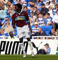 Photo: Daniel Hambury.<br /> Reading v Burnley. Coca Cola Championship.<br /> 29/08/2005.<br /> Burnley's Ade Akinbiyi celebrates his goal.