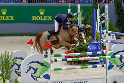 PENDER Michael (IRL), HHS Fortune<br /> Genf - CHI Geneve Rolex Grand Slam 2019<br /> Prix des Communes Genevoises<br /> 2-Phasen-Springen<br /> International Jumping Competition 1m50<br /> Two Phases: A + A, Both Phases Against the Clock<br /> 13. Dezember 2019<br /> © www.sportfotos-lafrentz.de/Stefan Lafrentz