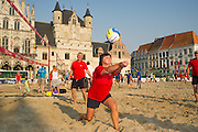 Beachvolleybal Mechelen 2012. Team Fujitsu actie.