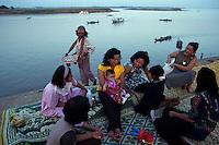 Phnom Pehn and the Tonle Sap river