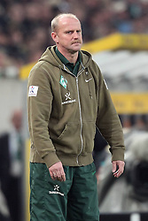 19.11.2011, BorussiaPark, Mönchengladbach, GER, 1.FBL, Borussia Mönchengladbach vs SV Werder Bremen, im BildThomas Schaaf (Trainer Werder Bremen) entaeuscht/ entäuscht/ traurig // during the 1.FBL, Borussia Mönchengladbach vs Werder Bremen on 2011/11/19, BorussiaPark, Mönchengladbach, Germany. EXPA Pictures © 2011, PhotoCredit: EXPA/ nph/ Mueller..***** ATTENTION - OUT OF GER, CRO *****