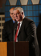 2/6/07 Omaha NE Daniel P. Neary Chairman and CEO of Mutual of Omaha  speaks at the  Greater Omaha Chamber of Commerce's annual meeting at the Qwest Center Omaha Tuesday afternoon. (photo by Chris Machian/ Prairie Pixel Group)