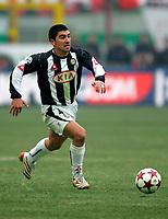 Milano 16-01-2005<br /> <br /> Campionato  Serie A Tim 2004-2005<br /> <br /> Milan Udinese 3-1<br /> <br /> Udinese David Pizarro <br /> <br /> <br /> <br /> Foto Branch/ Graffiti