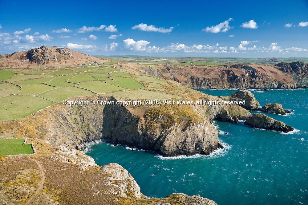 Garn Fawr, Porth Maenmelyn &amp; Pwll Deri<br /> Aerial<br /> Pembrokeshire<br /> Coast<br /> South<br /> Towns &amp; Villages