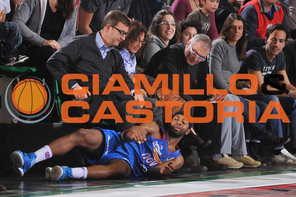 DESCRIZIONE : Treviso Lega A 2011-12 Umana Venezia Novipiu Casale Monferrato<br /> GIOCATORE : mustafa shakur<br /> CATEGORIA :  curiosita<br /> SQUADRA : Umana Venezia Novipiu Casale Monferrato<br /> EVENTO : Campionato Lega A 2011-2012<br /> GARA : Umana Venezia Novipiu Casale Monferrato<br /> DATA : 04/12/2011<br /> SPORT : Pallacanestro<br /> AUTORE : Agenzia Ciamillo-Castoria/M.Gregolin<br /> Galleria : Lega Basket A 2011-2012<br /> Fotonotizia :  Treviso Lega A 2011-12 Umana Venezia Novipiu Casale Monferrato  <br /> Predefinita :