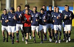 09.06.2010, .Centurion, Johannesburg, RSA, FIFA WM 2010, Italien Training im Bild die italienische Nationalmannschaft beim Aufwärmen, EXPA Pictures © 2010, PhotoCredit: EXPA/ InsideFoto/ G. Perottino / SPORTIDA PHOTO AGENCY