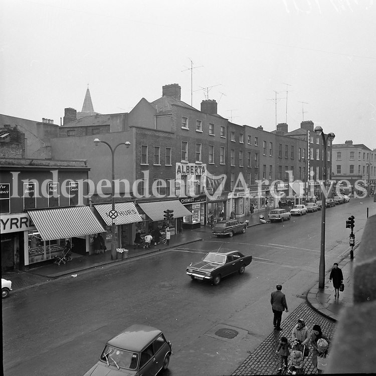 Scenes of Thomas Street, Dublin, 25/11/1971 (Part of the Independent Newpapers Ireland/NLI Collection).