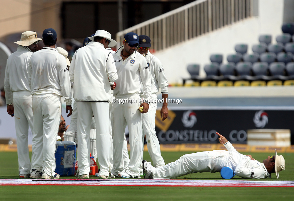 Virender Sehwag With Indian Players  in Drink Break During The 2nd Test Match India vs New Zealand Played at Rajiv Gandhi International Stadium, Uppal, Hyderabad 12, November 2010 <br /> (5-day match)