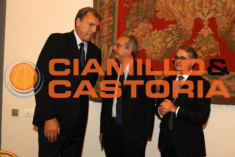DESCRIZIONE : Roma Lega A 2009-10 Campidoglio Presentazione campionato<br /> GIOCATORE : Dino Meneghin Valter Veltroni Valentino Renzi<br /> SQUADRA : Lega Basket <br /> EVENTO : Campionato Lega A 2009-2010 <br /> GARA : <br /> DATA : 03/10/2009<br /> CATEGORIA : presentazione ritratto<br /> SPORT : Pallacanestro <br /> AUTORE : Agenzia Ciamillo-Castoria/G.Ciamillo