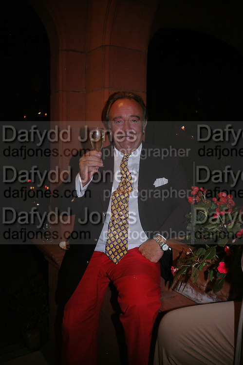 Dai Llewellen, Richard and Basia Briggs host a party to celebrate Leopold the Horse's 21st Birthday. 35 Sloane Gdns. London SW1. -DO NOT ARCHIVE-© Copyright Photograph by Dafydd Jones. 248 Clapham Rd. London SW9 0PZ. Tel 0207 820 0771. www.dafjones.com.
