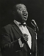 Louis Armstrong singing in the Olympia <br />