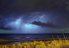 Tauranga-Electrical storm passes over city and Papamoa